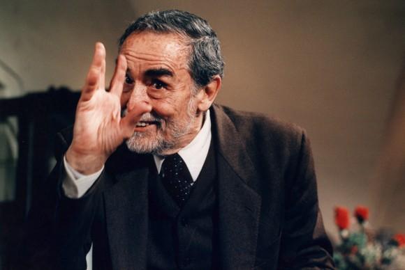 O professor Vittorio Gassman em O Jantar